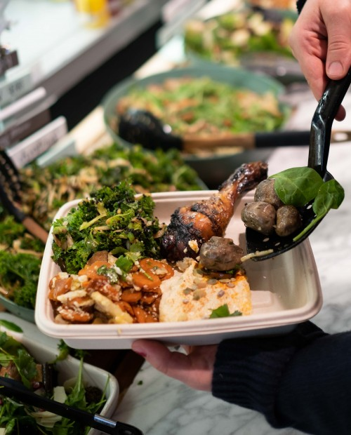 assortiment de légumes, salades, légumineuses /personne